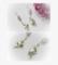 「野原の花」