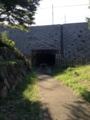 トンネルの上は相鉄線が走る