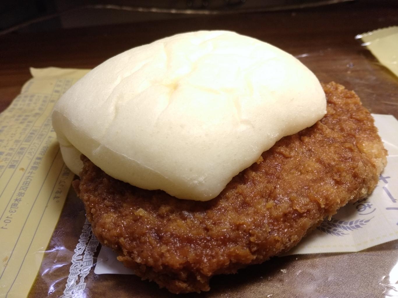 セイコーマート パーカーサンド(お好み焼き風コロッケ)