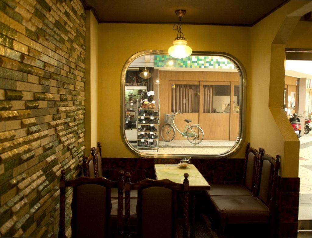 喫茶マリンナ一階
