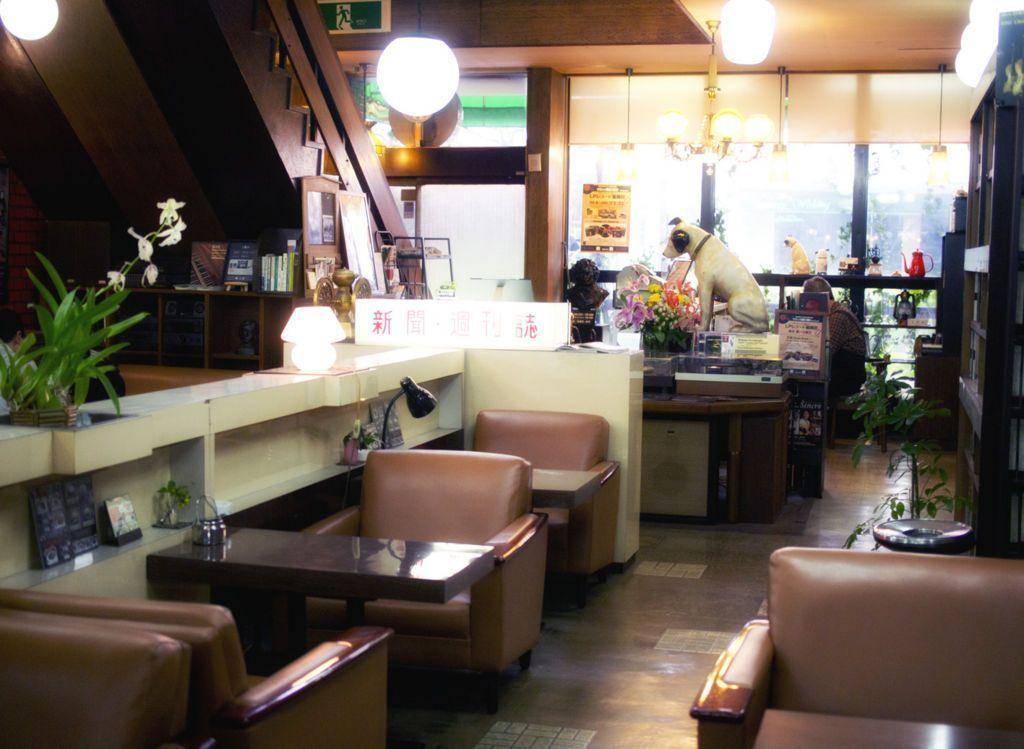 岡山・喫茶東京_一階