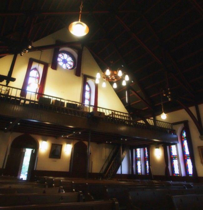 同志社礼拝堂内部