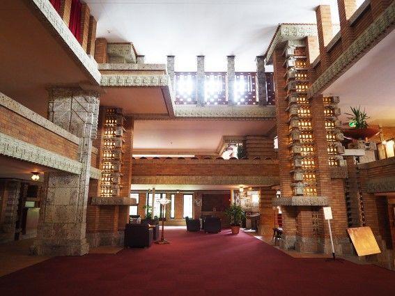 帝国ホテル中央玄関・内部