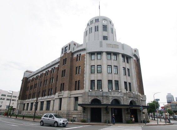神戸税関正面玄関