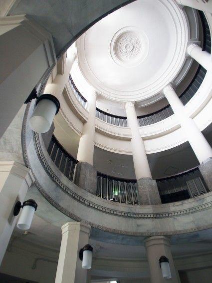 神戸税関・エントランスホール天井