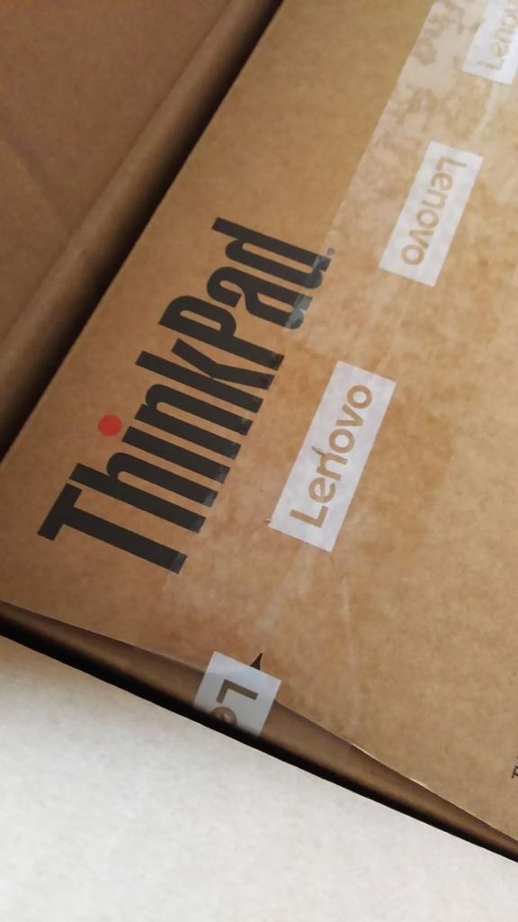 ThinkPad X1 Carbon ダンボール