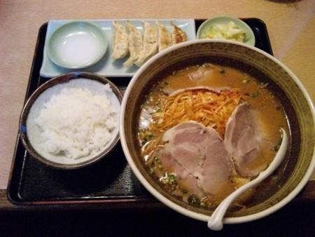 【さくら市】 らー麺屋めん丸-ネギミソチャーシュー大盛、餃子セッ
