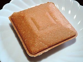 食パンの端でホットサンド