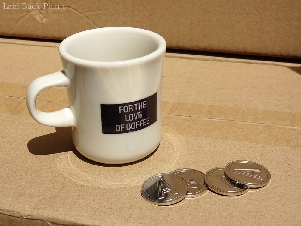 飲み比べ専用のミニサイズのマグカップ