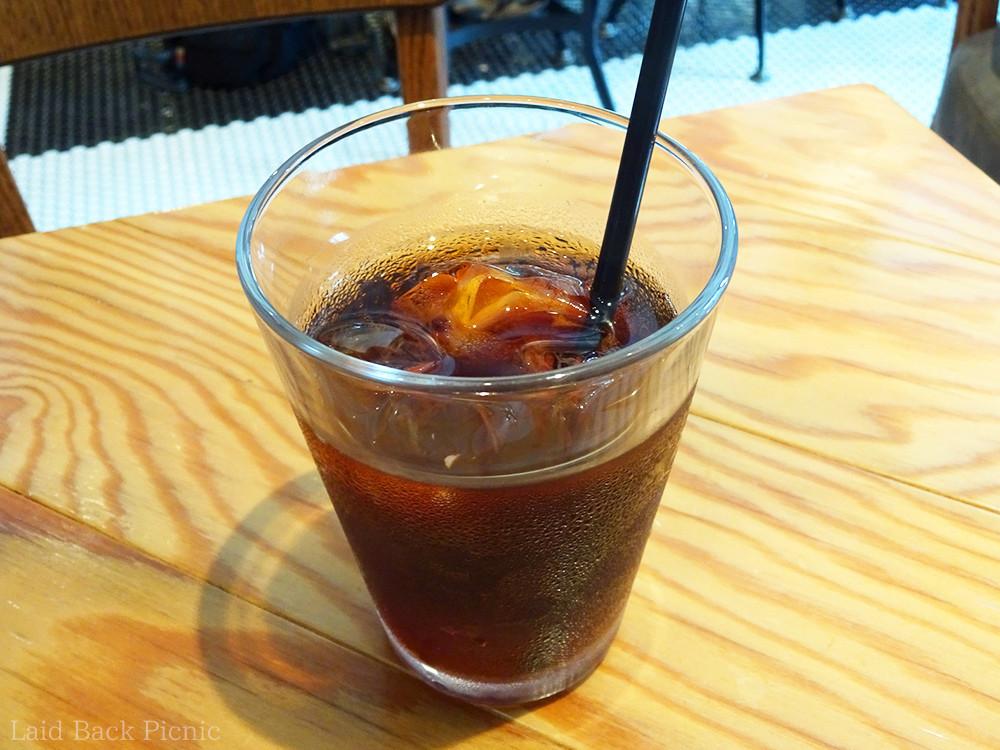 グラスにたっぷりのアイスコーヒー