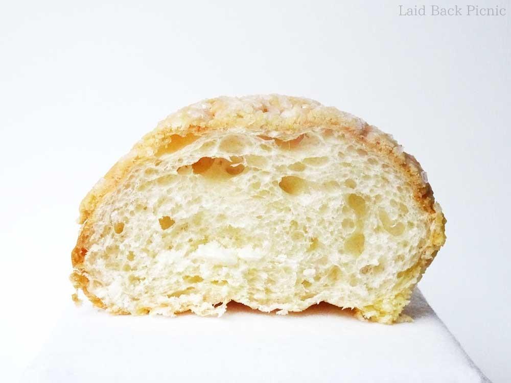 フランスパンにも似た断面の気泡
