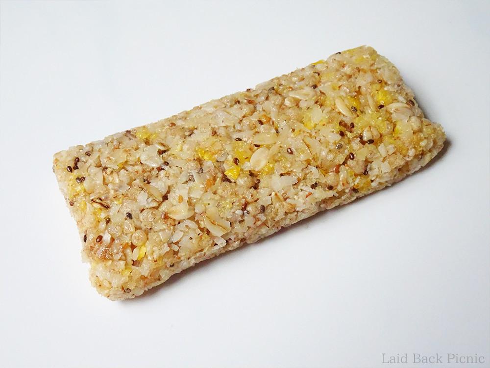 雑穀米のようなシリアルバー