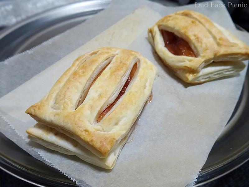 ほんのり焼き目がついたアップルパイ