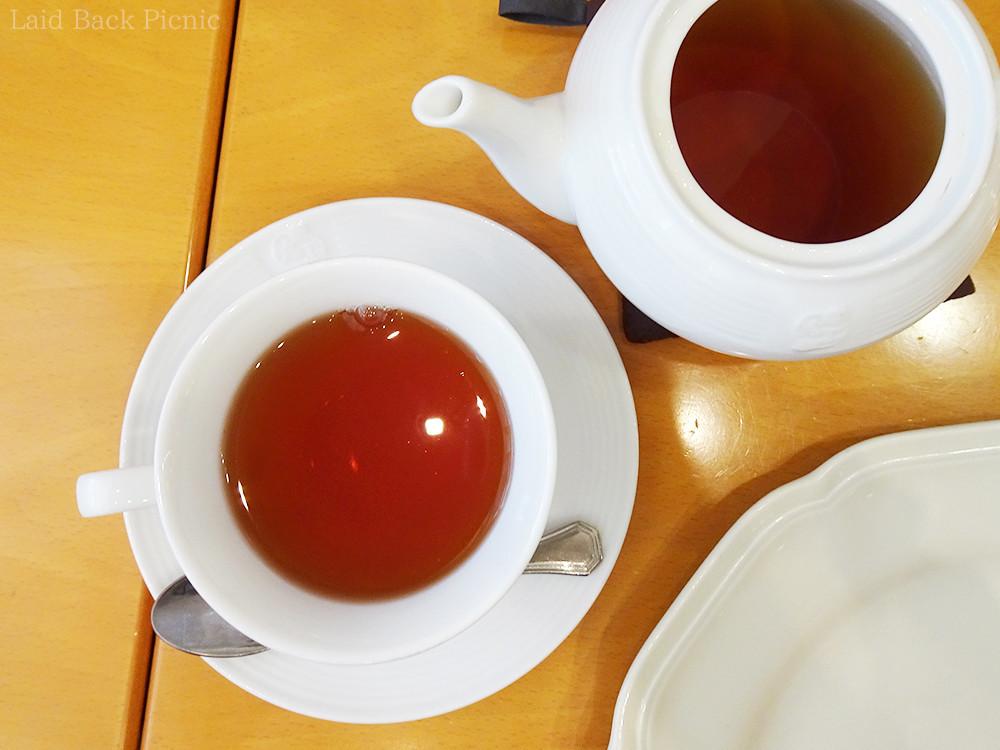 赤が綺麗な紅茶
