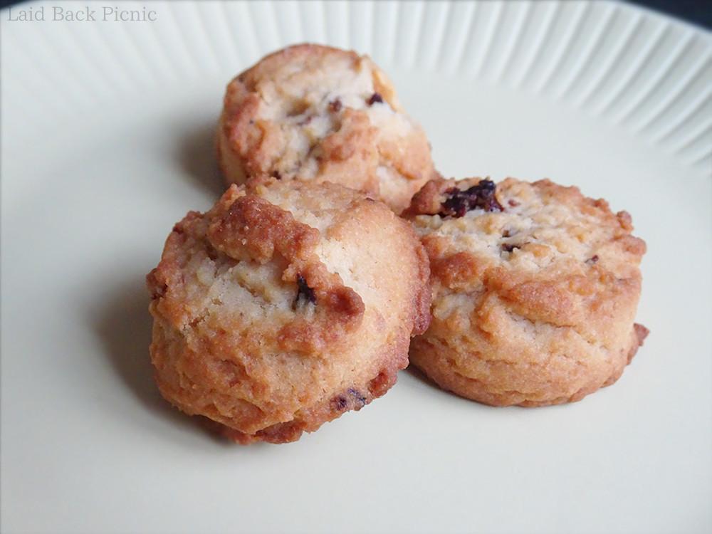 ひと口サイズの厚さもしっかりとしたクッキー