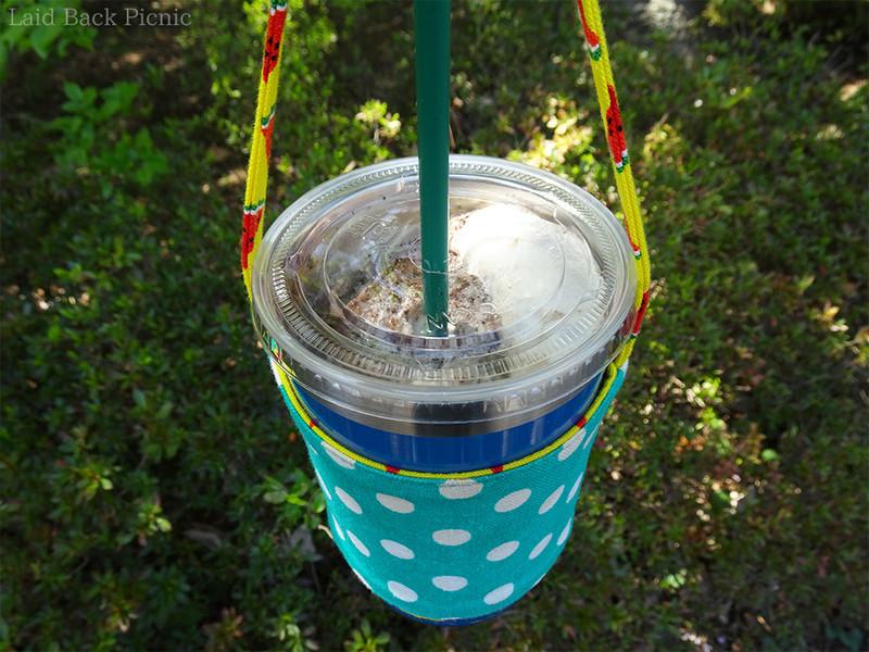 タンブラーにトールサイズのカップがぴったり収まる