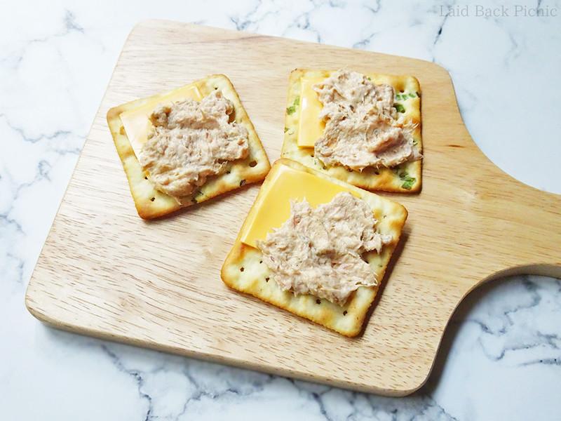 チェダーチーズのチーズシートを利用した