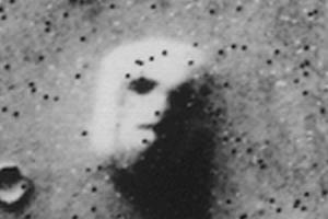 火星人面岩(バイキング)
