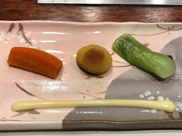 にんじん、栗、青菜の蒸し物