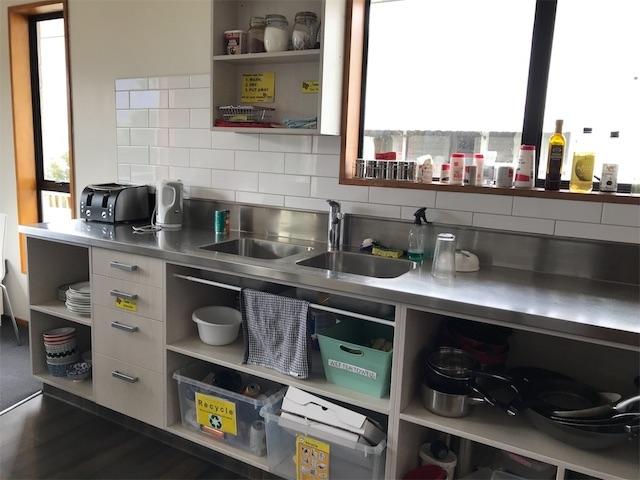 クイーンズタウンゲストハウスの共通キッチン