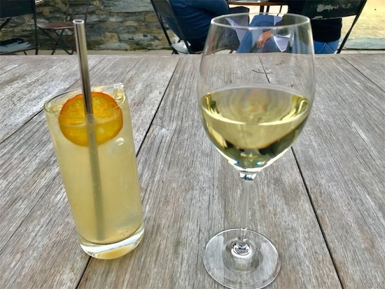 レモネードと白ワイン(リースリング)