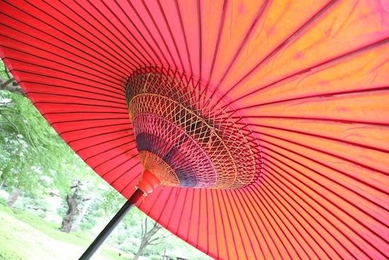 八芳園の野立て傘