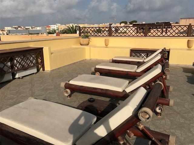屋上のビーチチェア