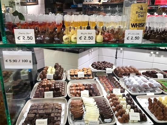 プラリネットの店内のチョコレート