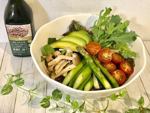 アマニ油とサラダ