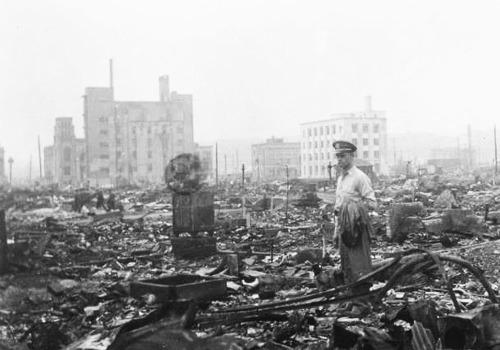 NHKスペシャル映像の世紀 第5集 世界は地獄を見た.jpg