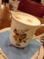 RAKERU カワイイカップに入ったカフェラテ