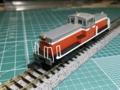 DD13初期形 運転室内塗装、光ファイバーで光量アップ