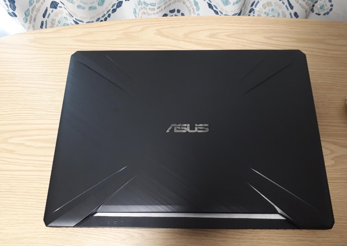 ASUS|TUF Gaming FX505DT|蓋を閉じた状態