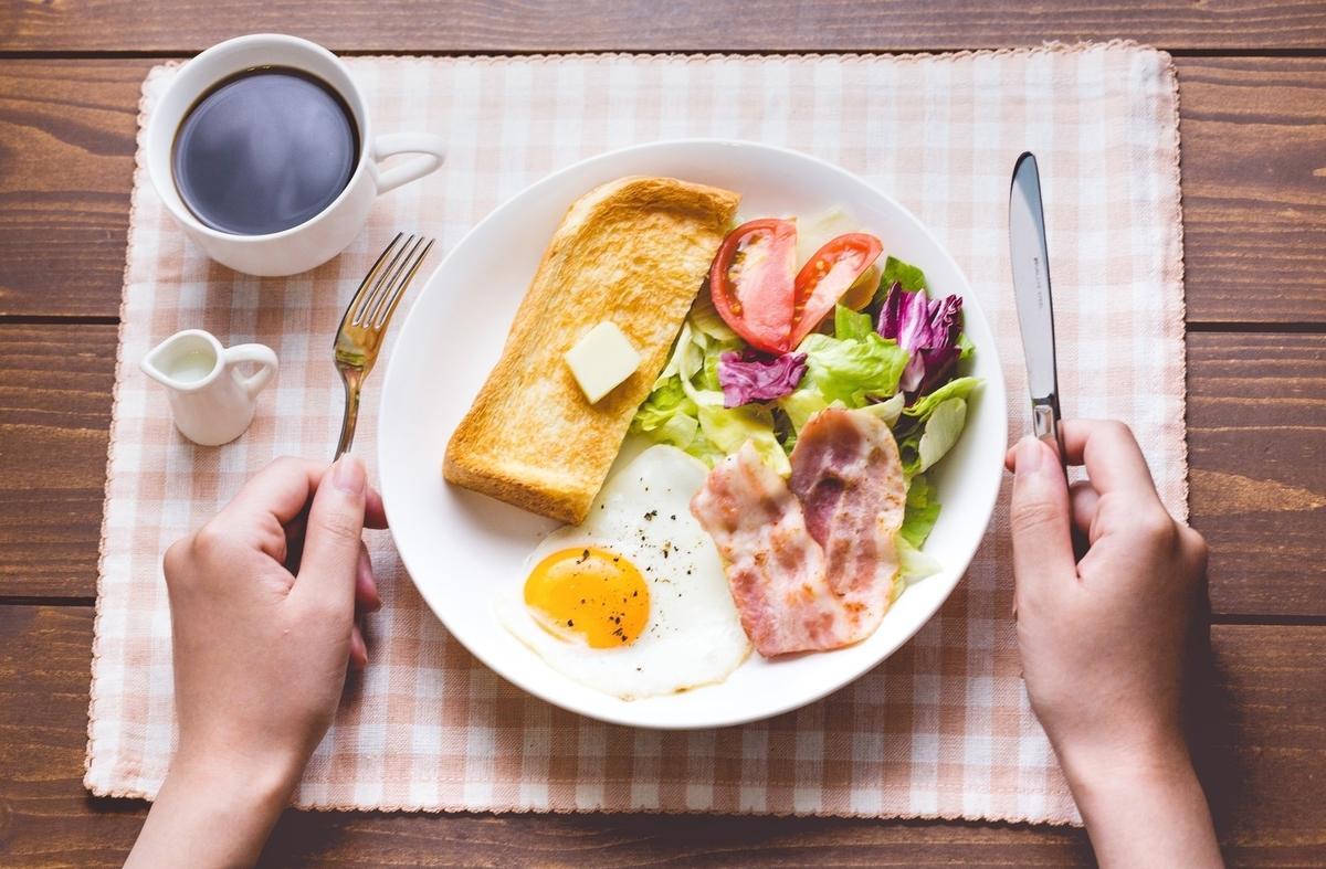朝食 食べない メリット