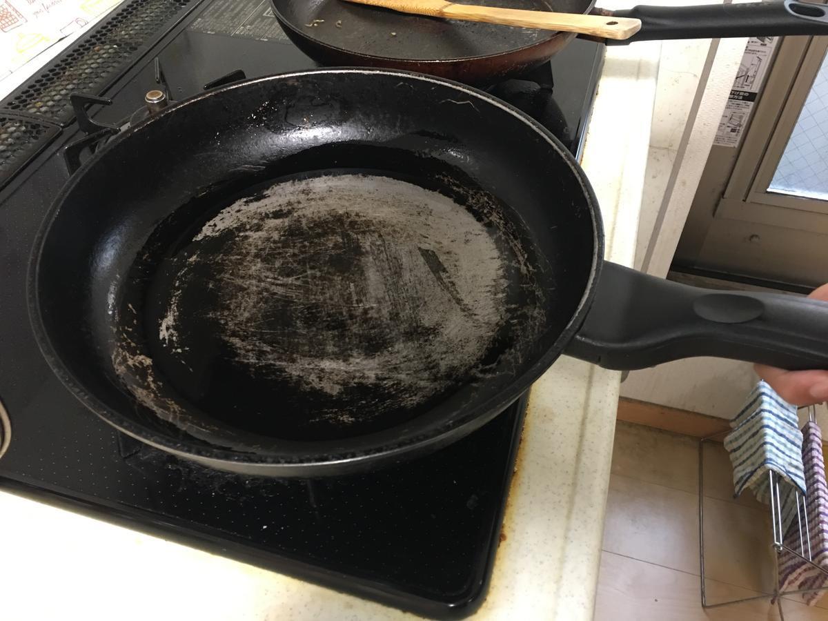 フレンチトーストを焼くフライパン