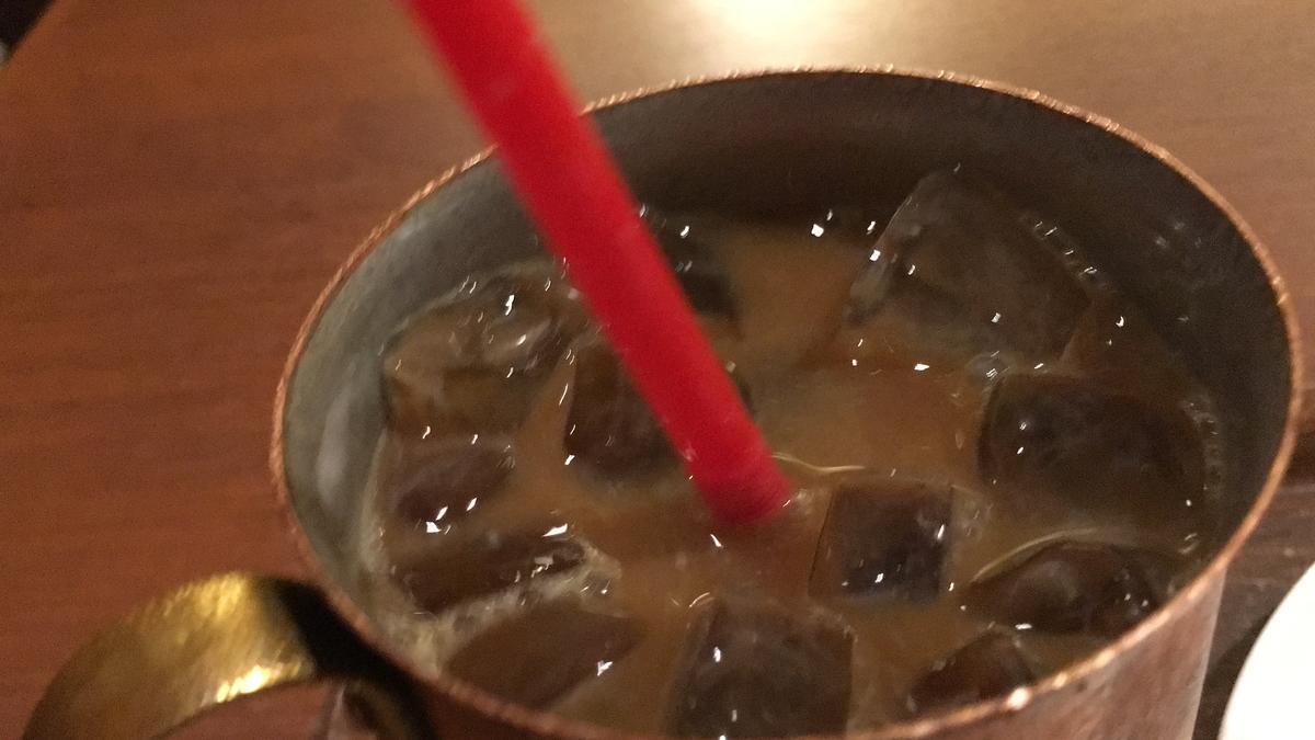 上島珈琲店のアイスコーヒーを飲む14