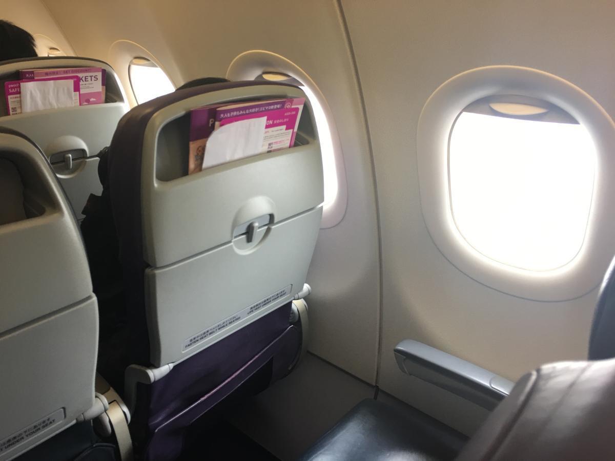 LCC航空会社peachの機内の様子3