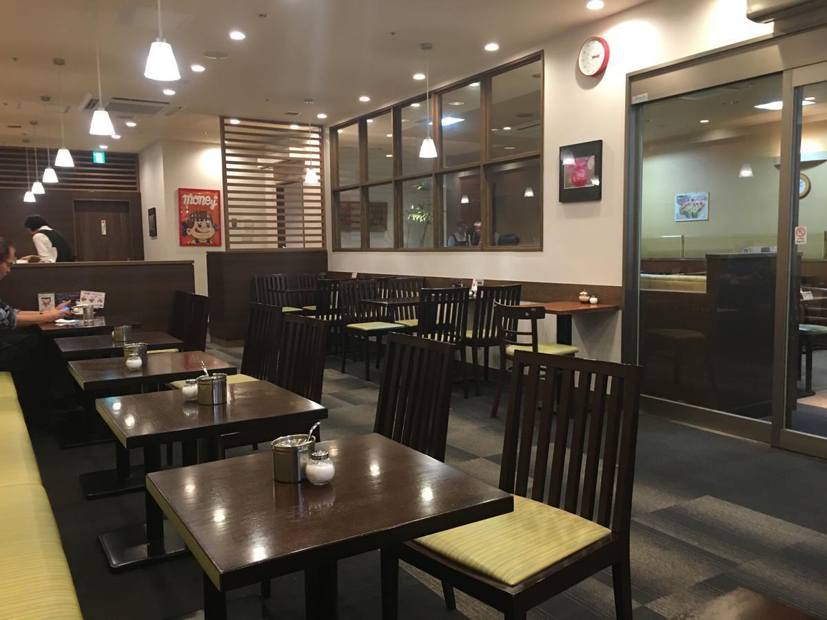 本町の喫茶店・亜羅毘加(アラビカ)の店内