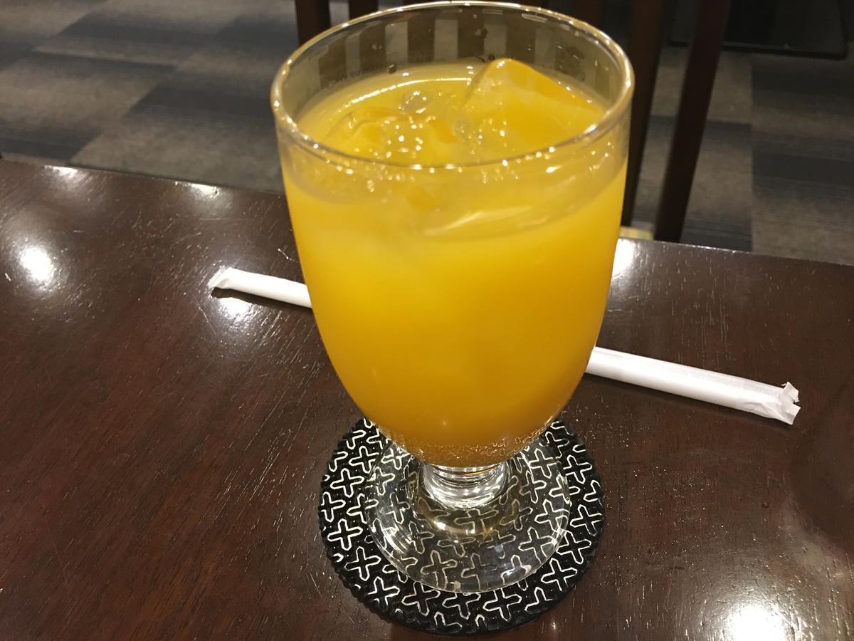 本町の喫茶店・亜羅毘加(アラビカ)のマンゴージュース