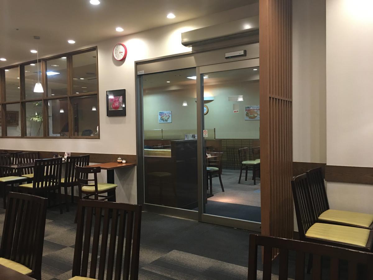 本町の喫茶店・亜羅毘加(アラビカ)の店内1