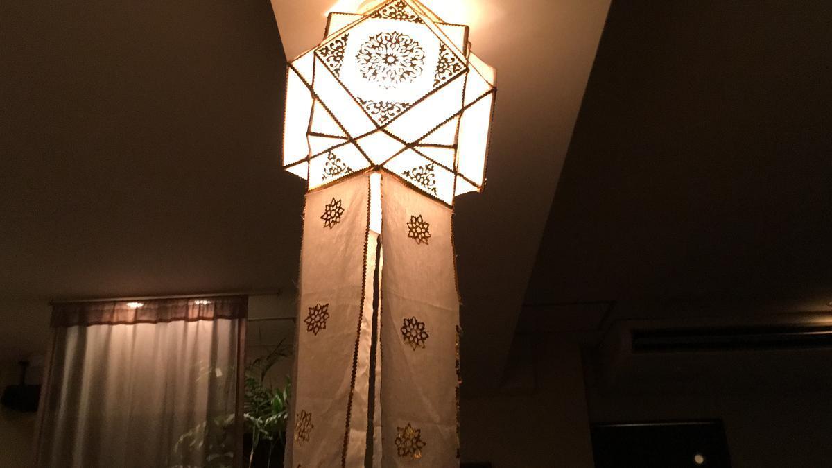 タイ式マッサージ「アユタヤ・梅田本店」の店内の電灯