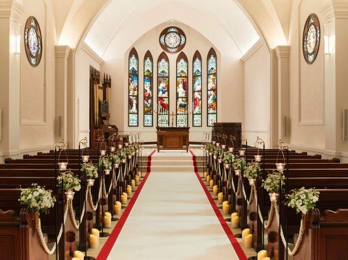 富良野で少人数の結婚式におすすめのセントマーガレット教会のチャペル