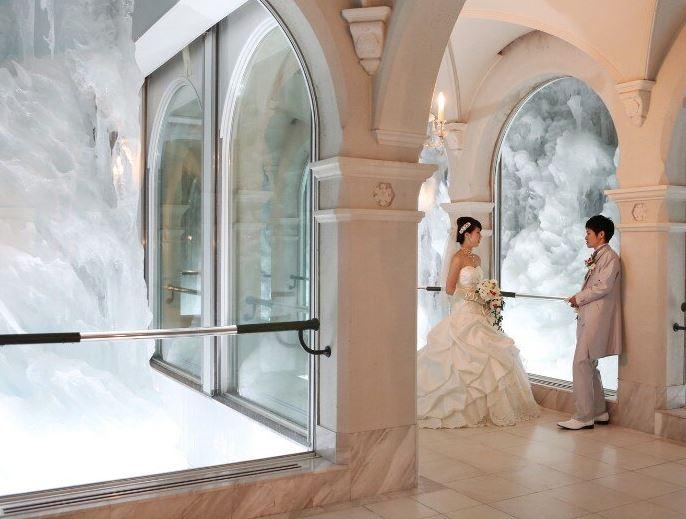 旭川・富良野で少人数の結婚式におすすめの雪の美術館の雪の回廊