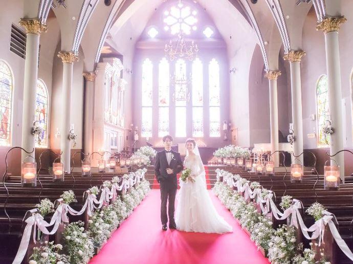 札幌で少人数の結婚式におすすめの宮の森フランセス教会
