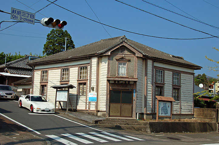 なんか古そうな擬洋風建築