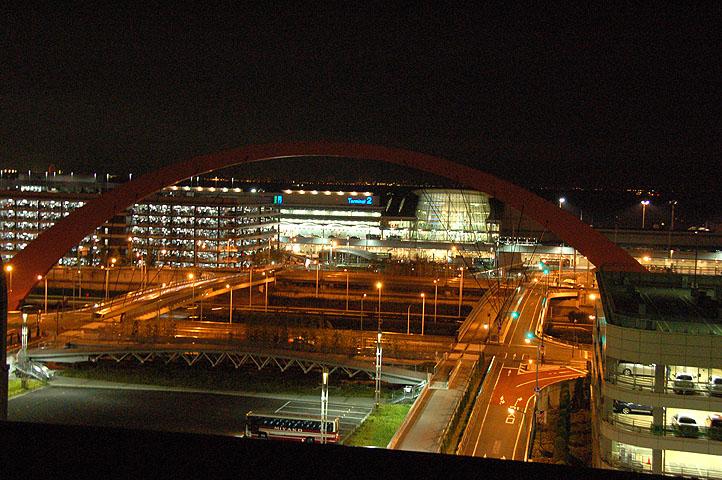夜の羽田空港(2)