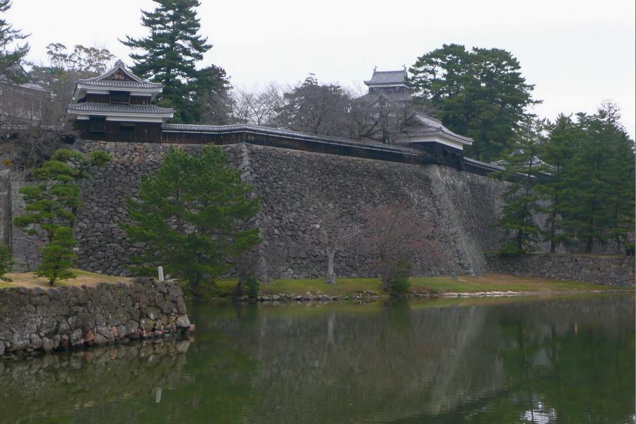 松江城遠景