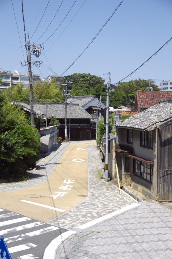 亀山宿には坂が多い