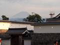 城跡の先には富士山