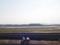 遠くに見えるのが羽田空港新国際線ターミナル